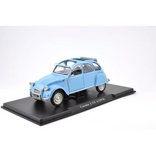 CITROEN 2CV4 Fertigmodell 1:24 Leo Models in Displayvitrine