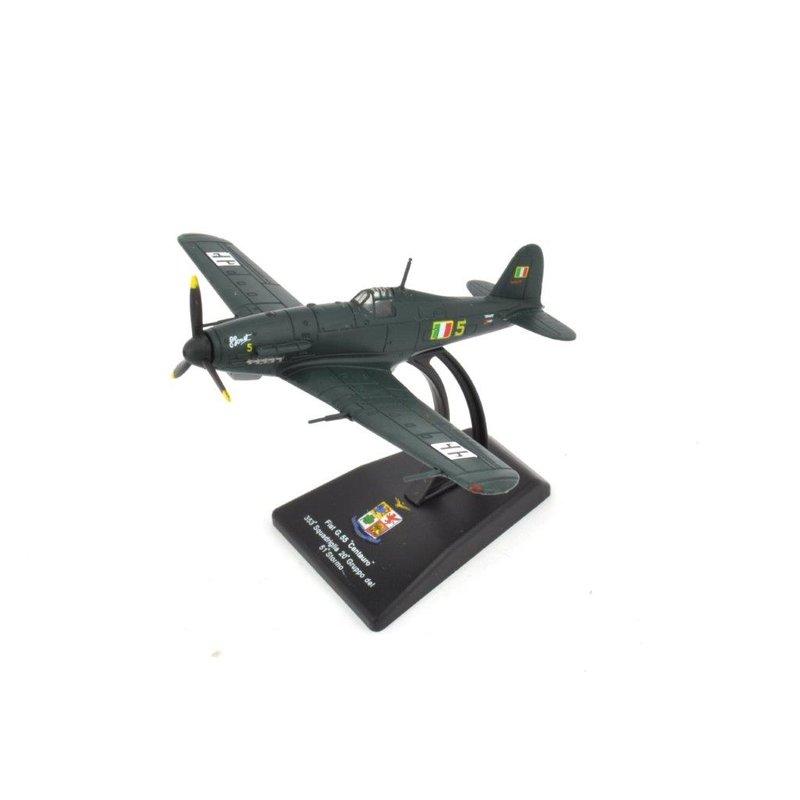 """Fiat G.55 /""""Centauro/"""" Fertigmodell Flugzeug 1:100 bemalt mit Standfuß für Sammler"""