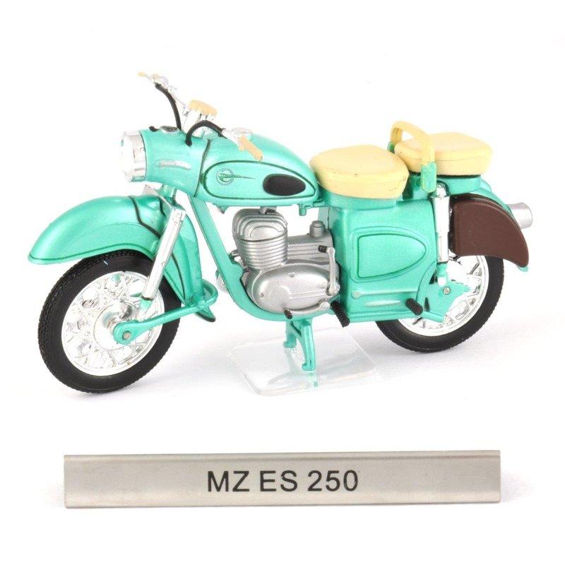 MZ ES 250 DDR Motorrad Fertigmodell Maßstab 1:24